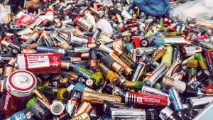 img-erp-org-old-batteries-to-recycling-578663071