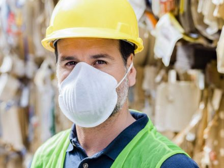 protective-mask-worker